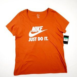 The Nike Tee Women's Athletic Cut T-Shirt Size XL